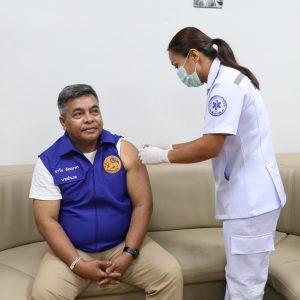 ร่วมฉีดวัคซีนป้องกันเชื้อไว้รัสโคโรนา 2019 โควิดของอำเภอวังโป่ง